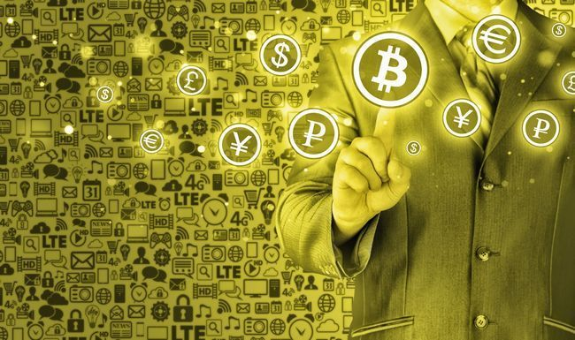 История возникновения криптовалюты — от первых идей до рождения биткоина и нового финансового рынка.